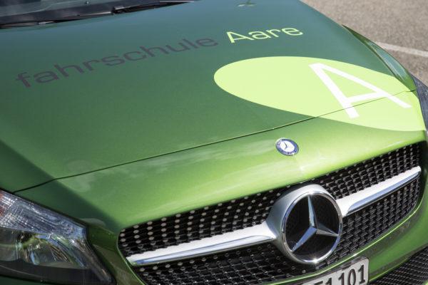 Fahrschule Aare Fahrschulauto grüner Mercedes-Benz A-Klasse geschaltet und automatik