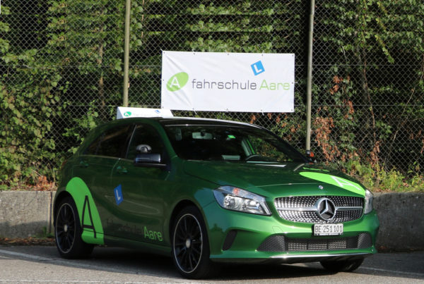 Fahrschule Aare grüner Mercedes-Benz A-Klasse geschaltet und Automat