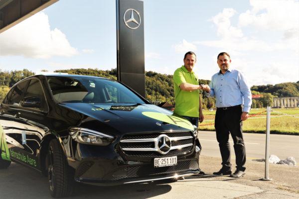 Fahrschule Aare Fahrschulauto grüner Mercedes-Benz B-Klasse geschaltet und automatik. Partnerschaft Auto-Garage Hörhager AG Aemme